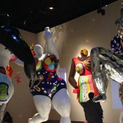 Niki de Saint Phalle exposition ses femmes sculptures -Atlaneastro
