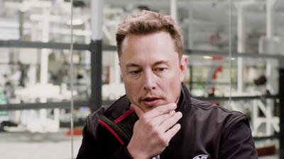 Elon-Musk-CEO-Tesla-sous-les-feux-de-la-rampe4-Atlaneastro