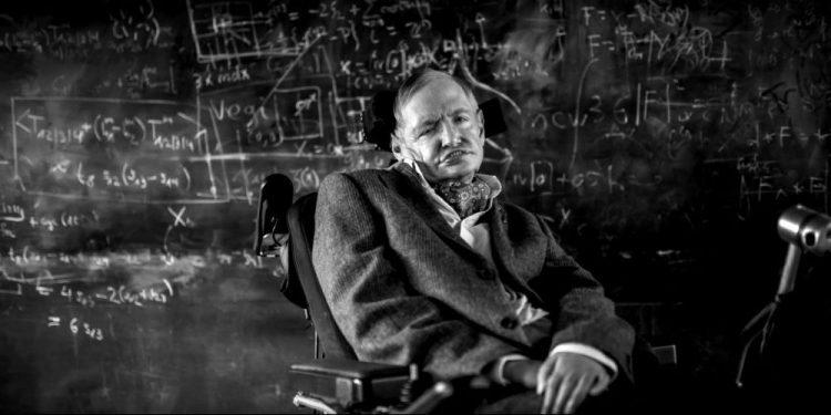 Stephen Hawking un Q.I de 160… spécialiste de l'espace