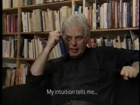A. Jodorowsky dans sa bibliothèque intuition soirées-Atlaneastro