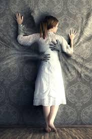 le lit enserre la femme partenaire PArt.3-Atlaneastro