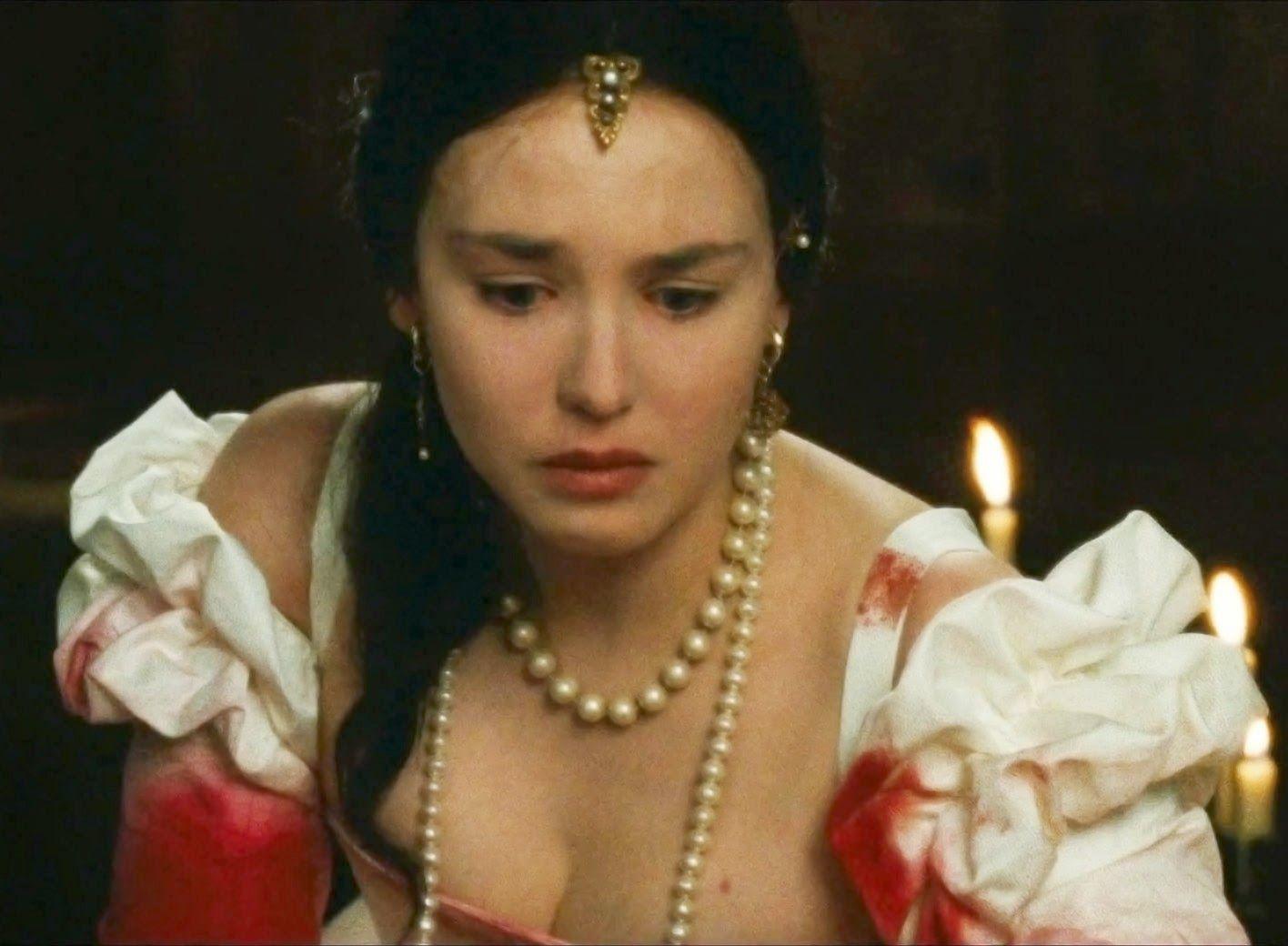 Isabelle Adjani dans La riene Margot Part.2-Atlaneastro