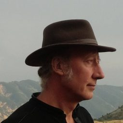 Philippe Guillemant un chapeau en haut d'une montagne Part.1-Atlaneastro
