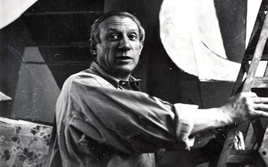 Picasso au travail nous regarde photo N et B Part.1-atlaneastro