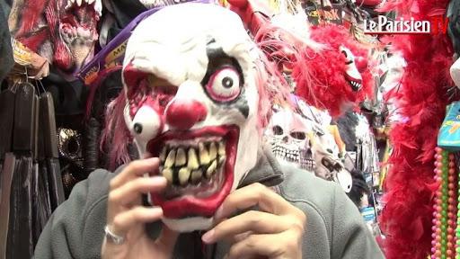 clown une dentition horrible bouche énorme peinte en rouge Part.2-Atlaneastro